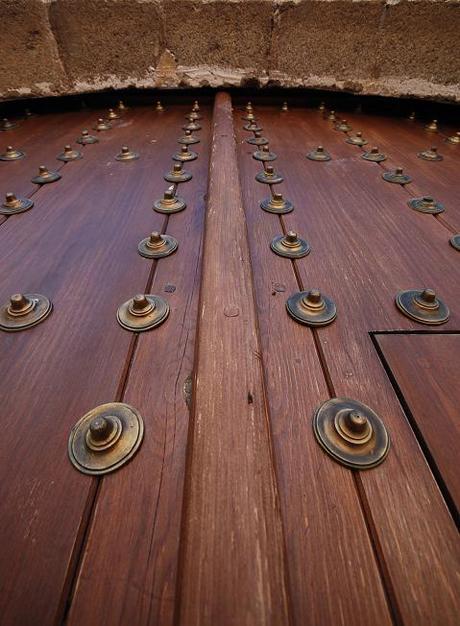 puerta este de la iglesia